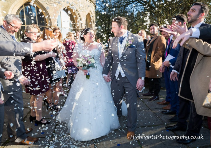 Weddings at Tortworth Court - Confetti fun